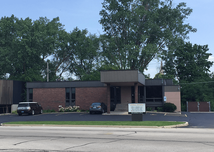 outside view of dental medical office in Rockford